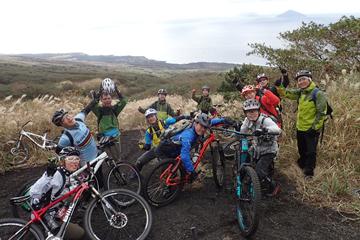 マウンテンバイクの魅力を知り尽くしたショップならではのバイクスクールや里山ツーリングなど様々なイベントを開催!
