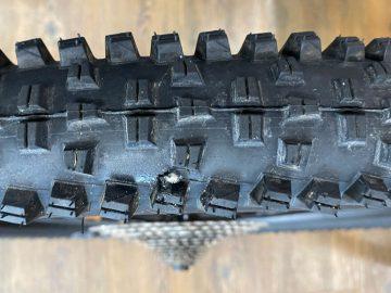 チューブレスタイヤのエア漏れ対応について